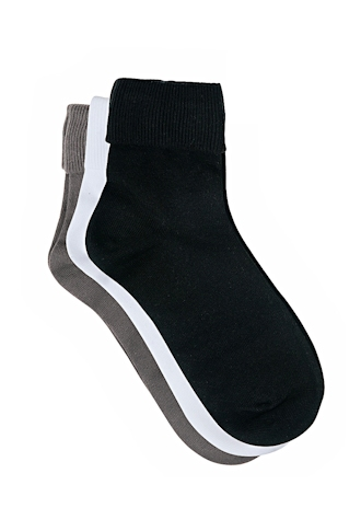 Shoes online. Buy socks online